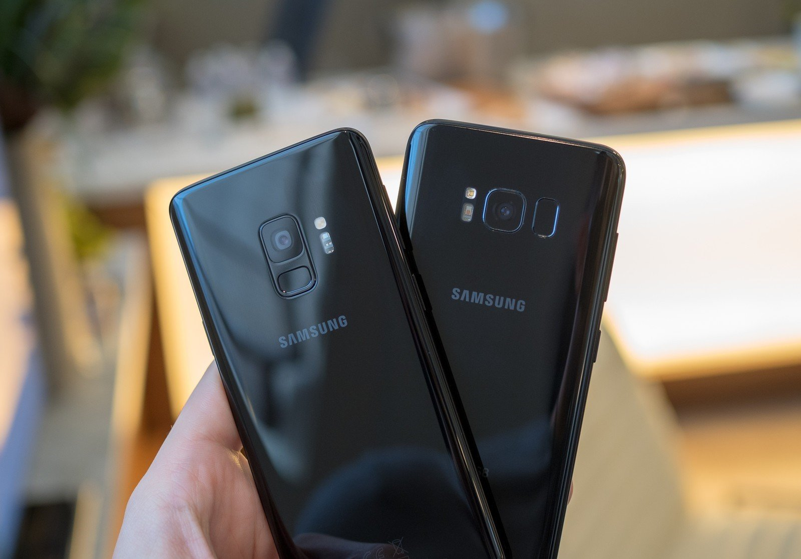 Photo of مقارنة بين سامسونج Galaxy S8 و Galaxy S9