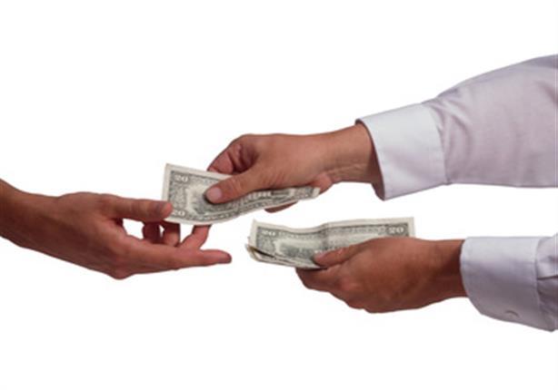 الفرق بين الدفع الإلكتروني والدفع النقدي